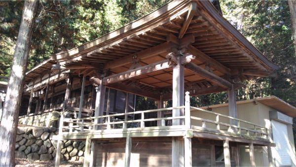 御牧子安神社の神楽殿