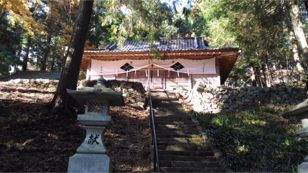 武田八幡宮の拝殿