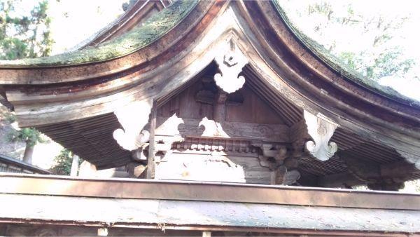 武田八幡宮の若宮八幡神社 側面