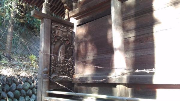 福地八幡神社(北下條)本殿の縁側