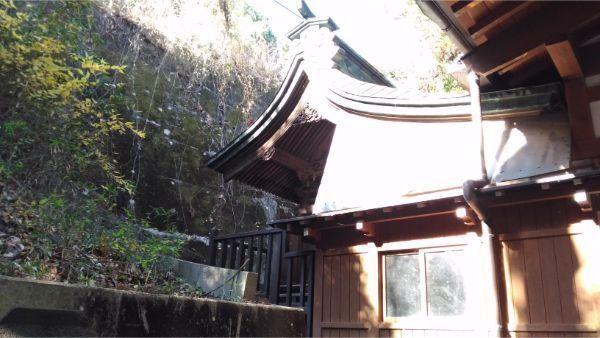 福地八幡神社(南下條)の本殿