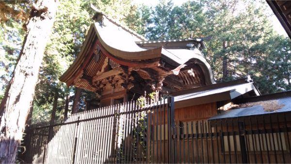 倭文神社降宮の本殿左前