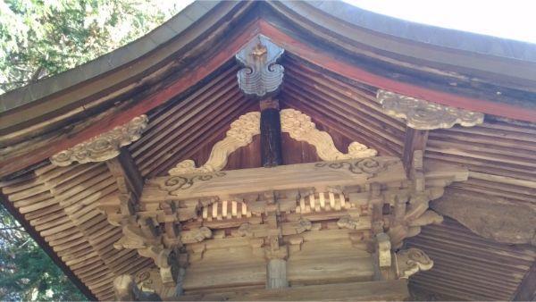 倭文神社降宮本殿右側面の妻壁