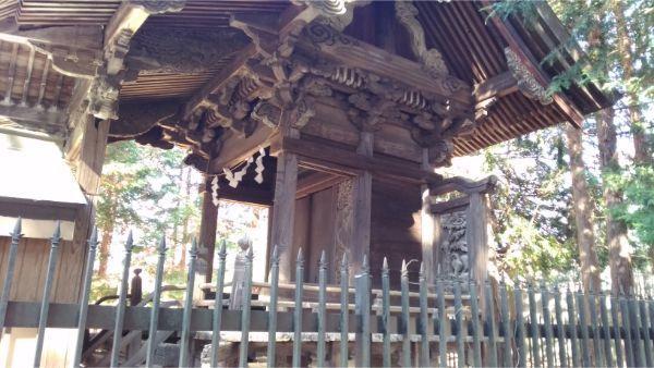 倭文神社降宮の本殿の右前方