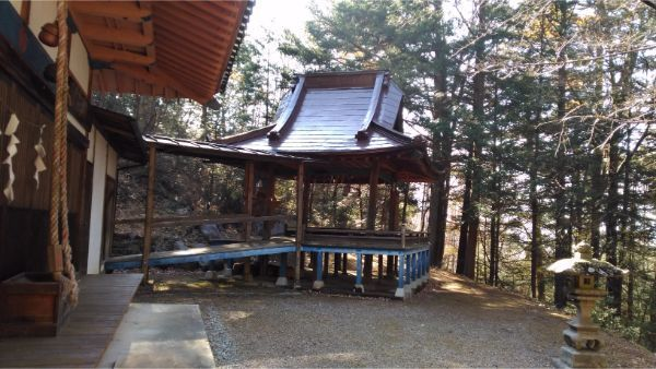 本宮倭文神社の神楽殿