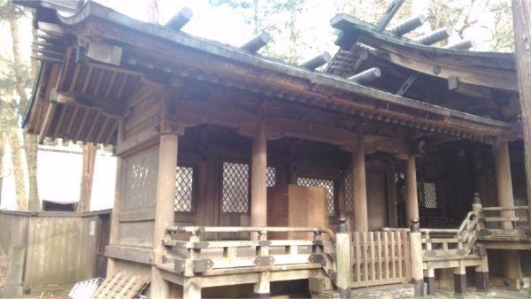 小野神社 左の片拝殿