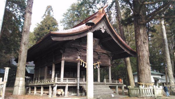 矢彦神社の神楽殿