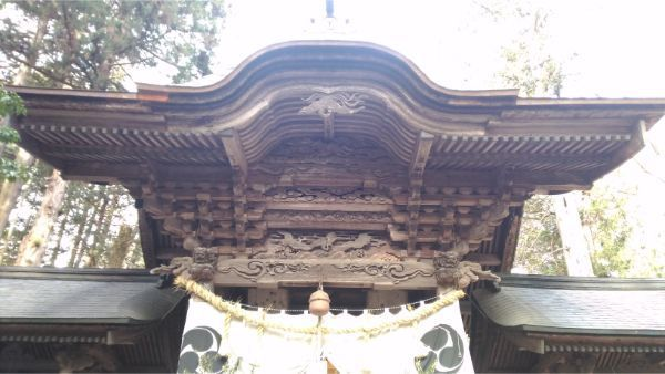 矢彦神社拝殿の正面