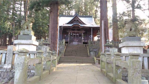 法性神社の拝殿