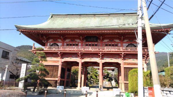 甲斐善光寺の山門