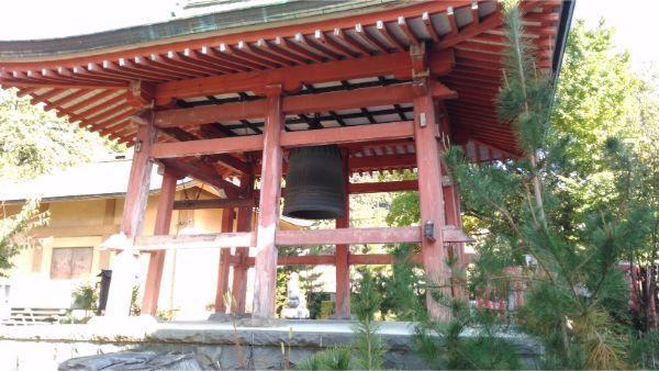 甲斐善光寺の鐘つき堂