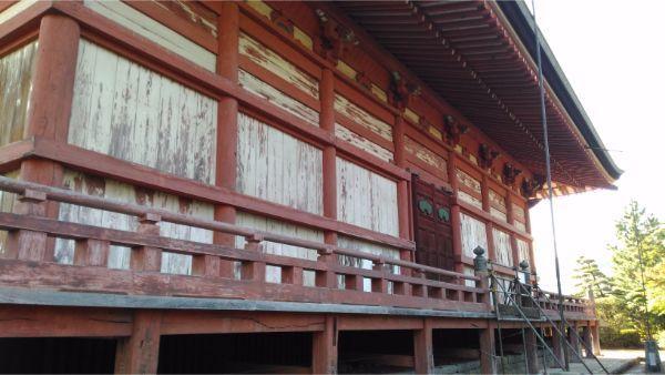 甲斐善光寺本堂の背面