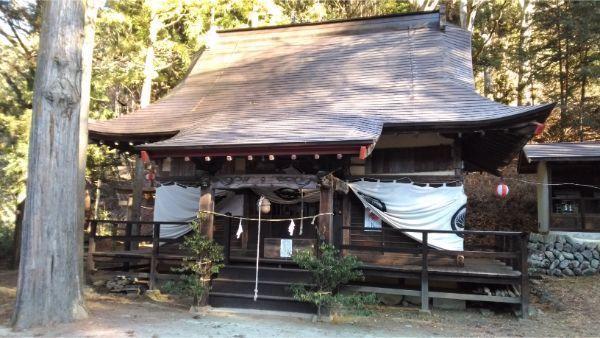 松尾神社の拝殿