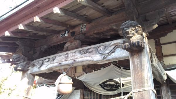松尾神社拝殿の向拝