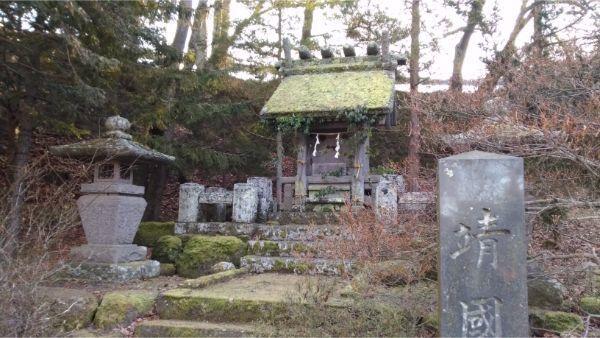松尾神社境内社の靖国神社