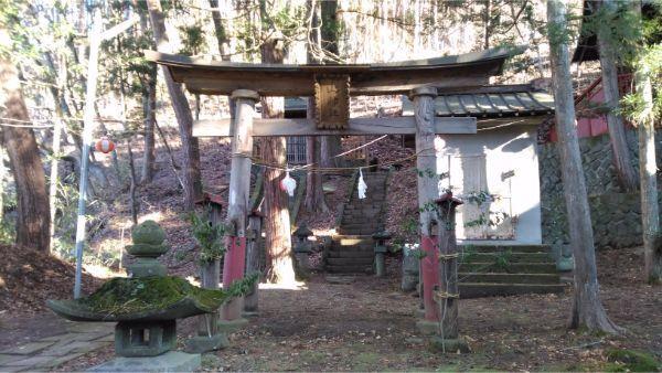 松尾神社境内社、山神社の鳥居