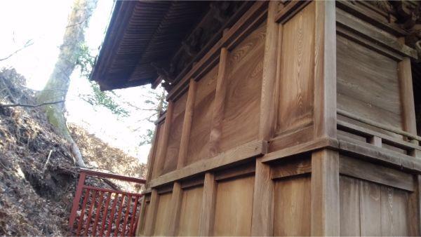 松尾神社本殿の背面