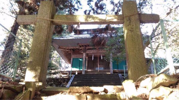 蓼科神社の拝殿
