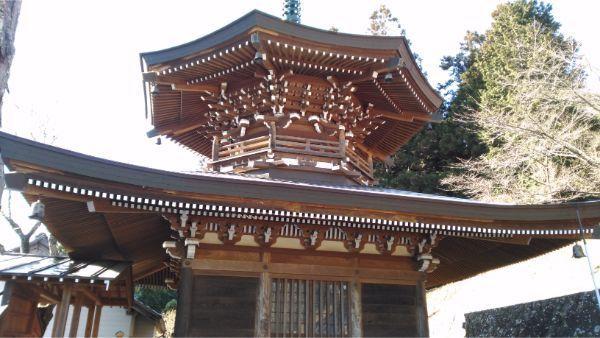光徳寺の仏舎利殿の側面