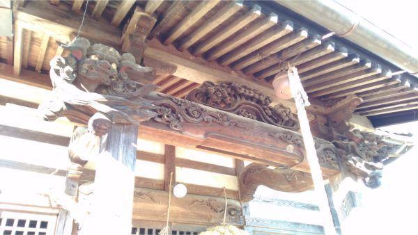 諏訪神社拝殿の向拝