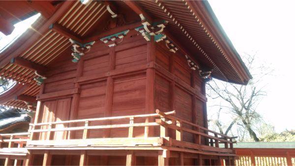 滋野神社社殿の右後方