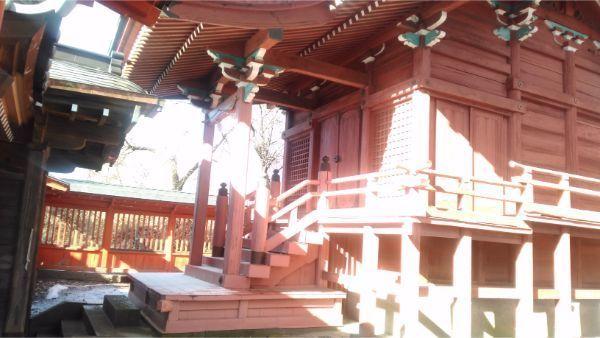 滋野神社社殿の向拝