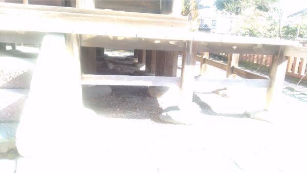 国分寺三重塔の床下