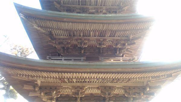 国分寺三重塔の軒下