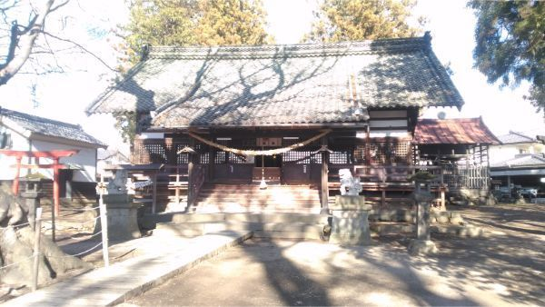 白鳥神社の拝殿