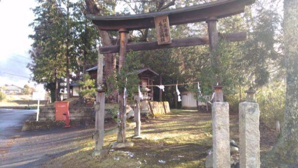 日置神社(北陸郷)の境内入口