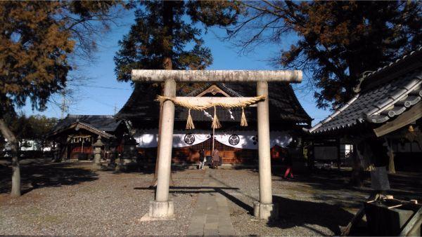 松本神社の境内