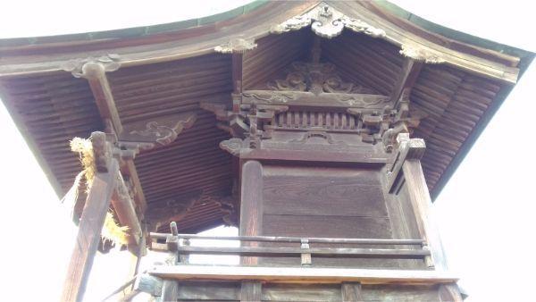 松本神社の東側本殿