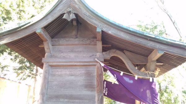 鹽竈神社の本殿左側面