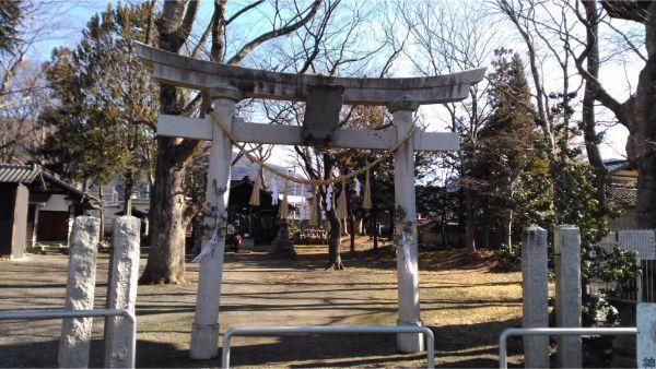 伊和神社の境内入口