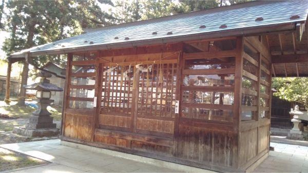諏訪社の神楽殿