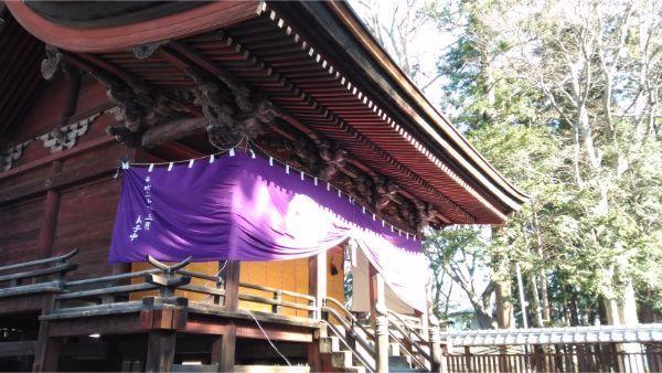 筑摩神社の左正面