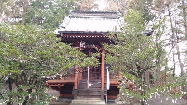 石楯尾神社の拝殿