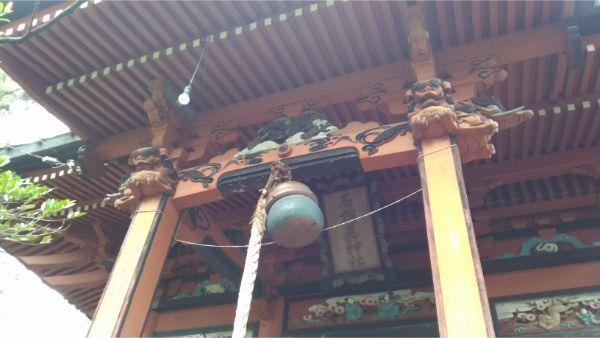 石楯尾神社拝殿の向拝