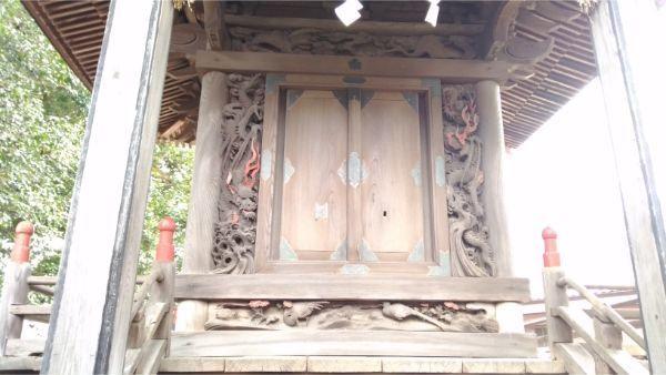 諏訪神社本殿の母屋正面