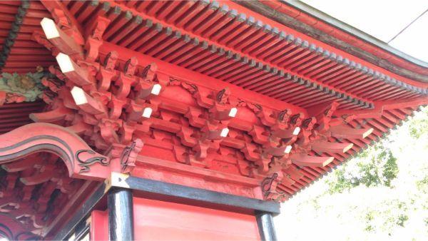 三嶋神社本殿右側面の軒下
