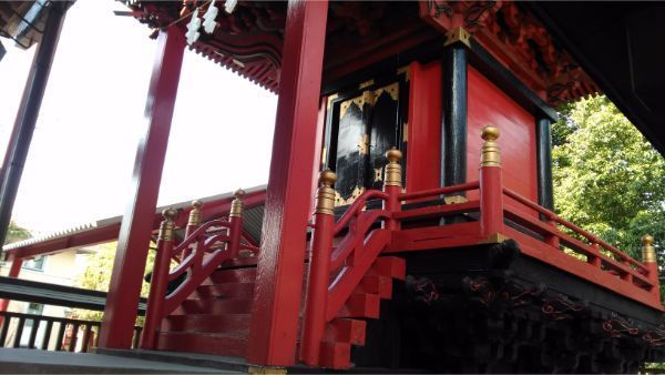 三嶋神社本殿の母屋正面