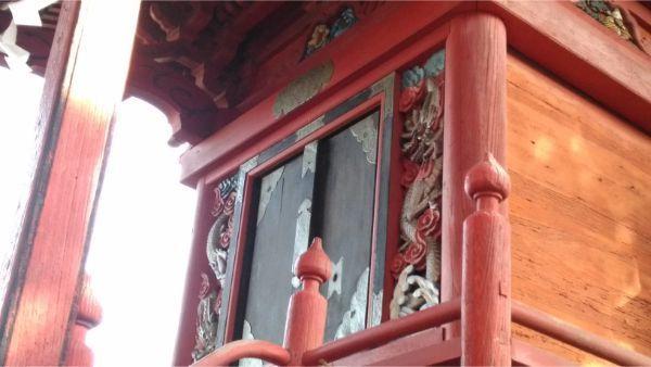 八王子神社本殿の母屋の正面側