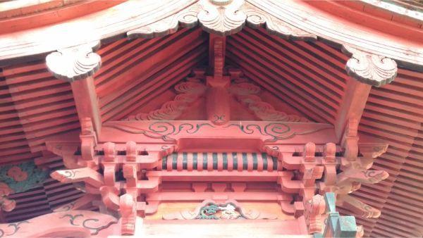 八王子神社本殿の右側面