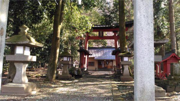 生出神社の入口
