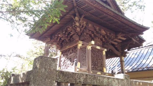 生出神社本殿の背面