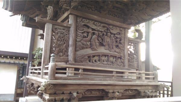 諏訪神社本殿背面の彫刻
