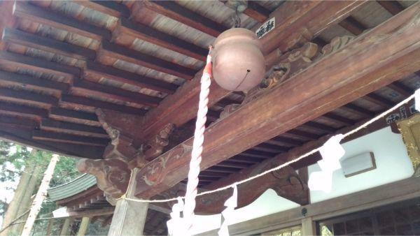 稲村神社の拝殿の向拝
