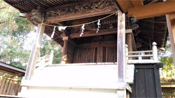 氷川神社本殿の正面