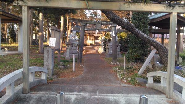 義清神社の入口