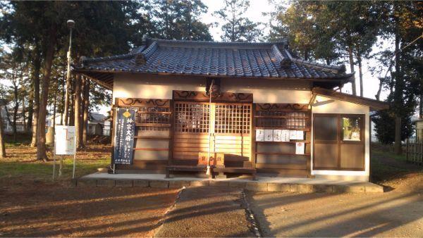 義清神社の拝殿